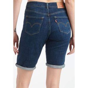 Levi's NWT Bermuda Shorts Size 30